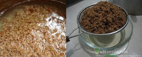 Đun và chắt lọc lấy dầu dừa