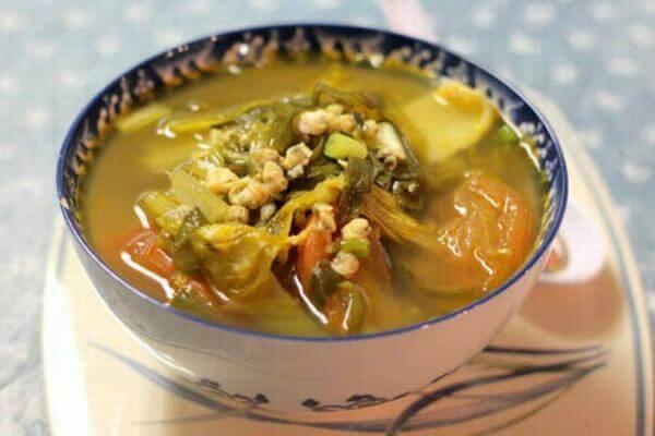 Cách nấu canh rau hến với dưa cải