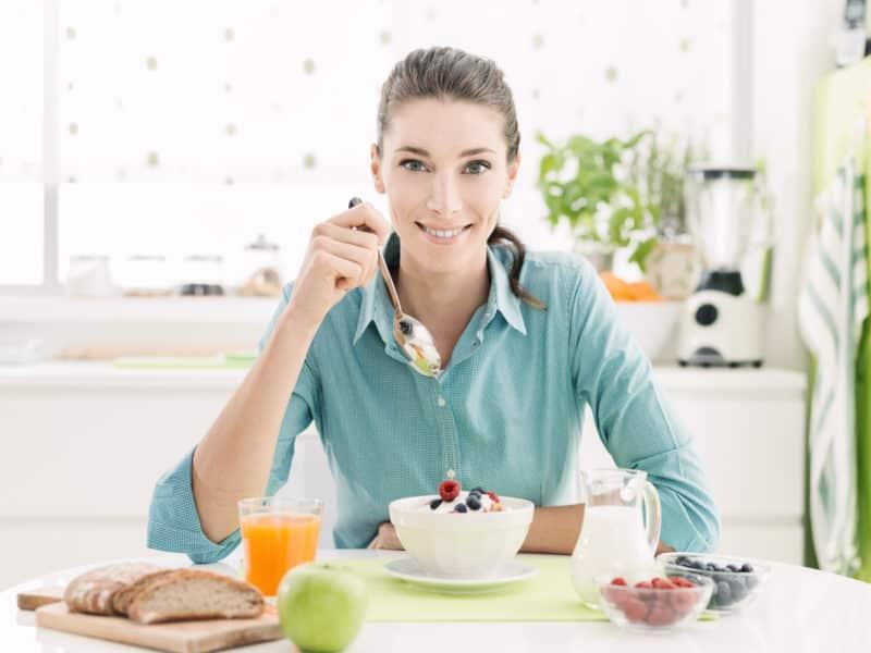 Phụ nữ có thể ăn gì để sinh con gái theo ý muốn