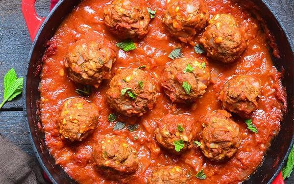 Thịt nạc băm viên sốt cà chua