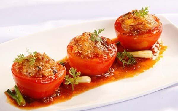 Thịt lợn băm nhồi cà chua - thịt lợn xay nấu món gì