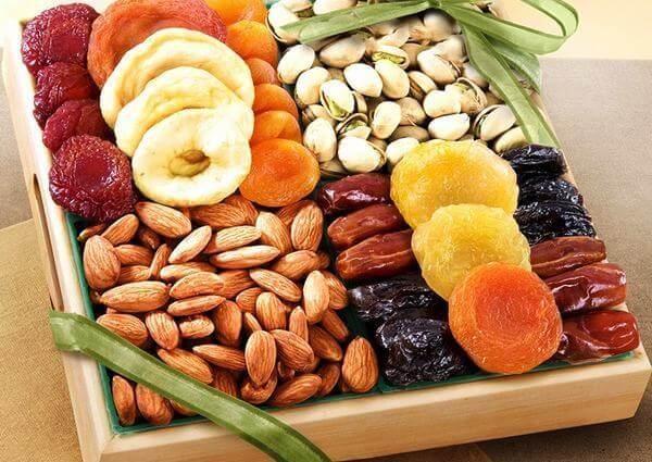 Trái cây sấy là món ăn vặt khoái khẩu lại cực kỳ bổ dưỡng, chứa nhiều chất sắt