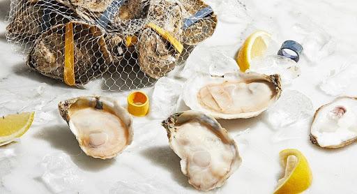 Hàu là loại hải sản rất giàu kẽm, một khoáng chất quan trọng cho kích thích ham muốn