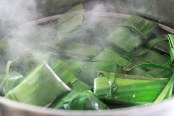 Cách làm bánh bột lọc gói lá chuối ngon như người Huế