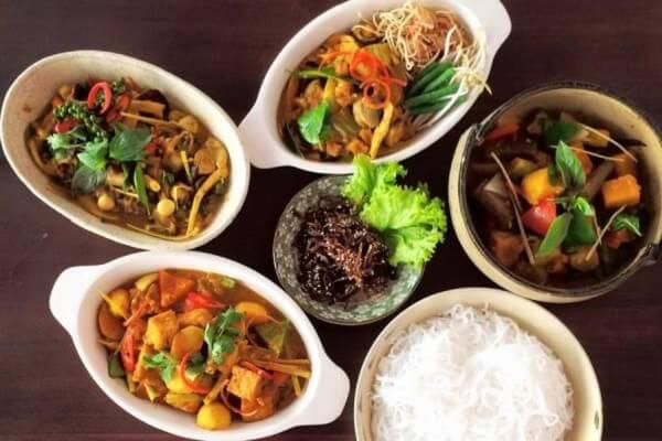 15 quán ăn chay Quận 1, không gian ăn cơm chay gia đình thanh tịnh