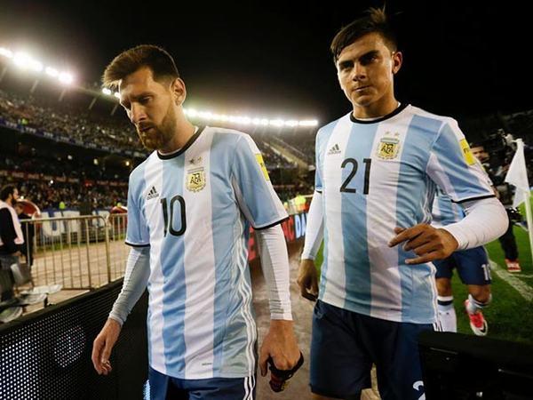 Paulo Dybala được gọi vào đội tuyển Argentina từ khi 17 tuổi nhưng anh từ chối.