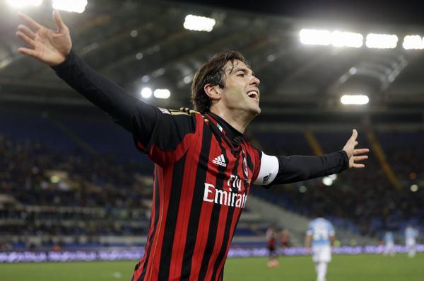A.C. Milan, CLB vừa giành chức vô địch Champions League năm 2003, đã mua anh với giá $8.5 triệu