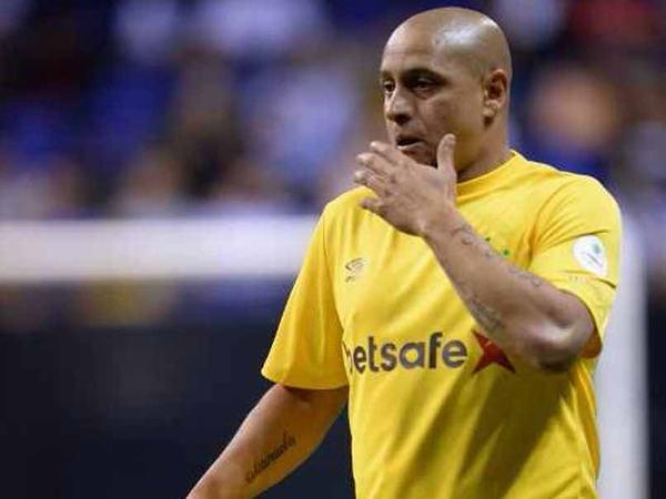 Sự nghiệp thi đấu quốc tế của Roberto Carlos