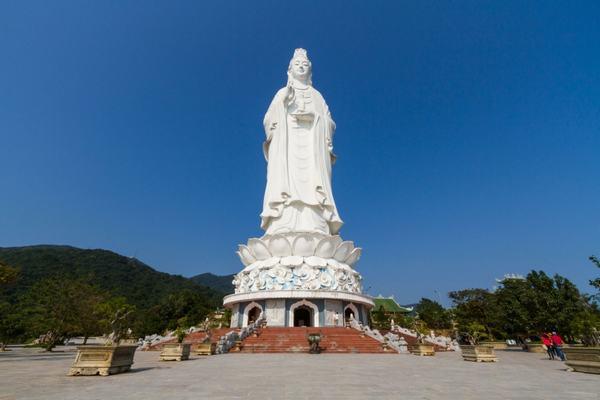 Bồ Tát Quán (Quan) Thế Âm là vị Bồ Tát quán sát, lắng nghe tiếng kêu than của chúng sanh