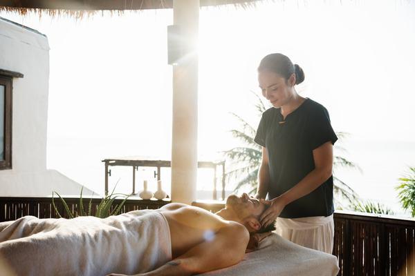 Lợi ích của massage Thái là gì đối với sức khỏe?
