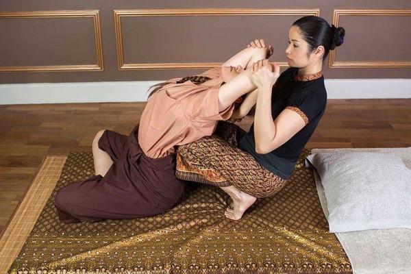Kỹ thuật massage thái cơ bản gồm những gì?