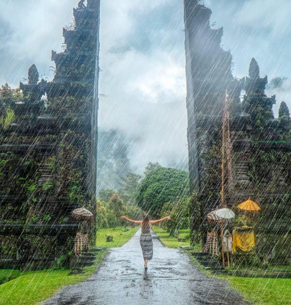 Mơ thấy một cơn mưa to gió lớn, mưa giông tầm tã có sấm sét