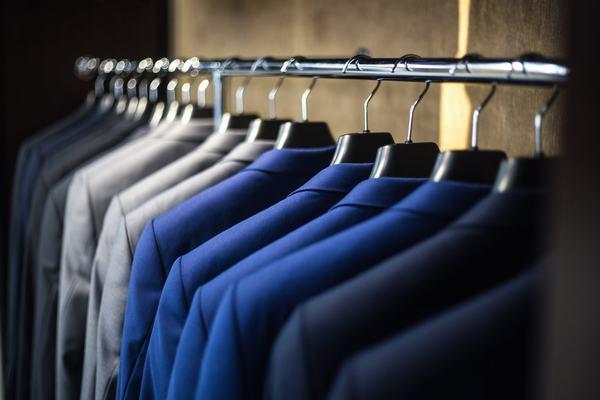 Nếu bạn mơ thấy mình mua sắm quần áo mới, điều này ám chỉ về sự lo lắng của bạn về sự nỗ lực
