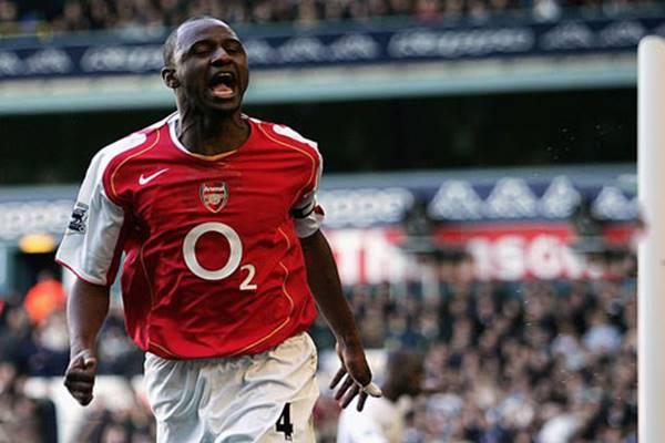 Top 10 tiền vệ trung tâm hay nhất lịch sử Ngoại hạng Anh