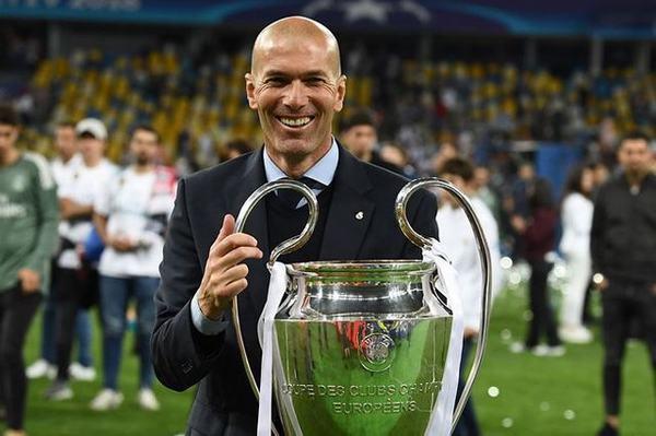 Tiểu sử Zinedine Zidane về năm sinh, sự nghiệp và danh hiệu thi đấu