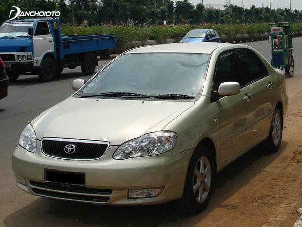 Đánh giá Toyota Altis 2001 - 2003 sở hữu một không gian nội thất rộng