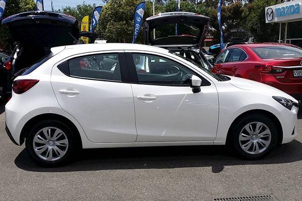 Xe Mazda 2 cũ 2014 ngoại hình nhỏ gọn, thiết kế trẻ trung