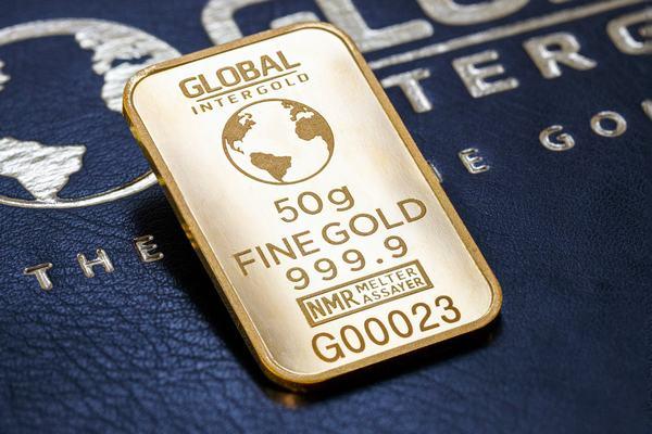 Giấc mơ thấy thật nhiều thỏi vàng mang điềm báo sẽ phản ánh bản thân bạn đang mong muốn có được nhiều tài sản