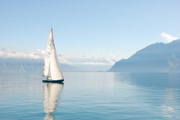 Nằm mơ thấy biển xanh, biển nước mênh mông báo điềm gì, nên đánh số nào?