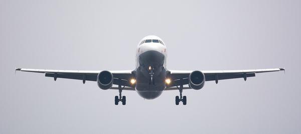 Ngủ nằm mơ thấy máy bay đánh con gì?