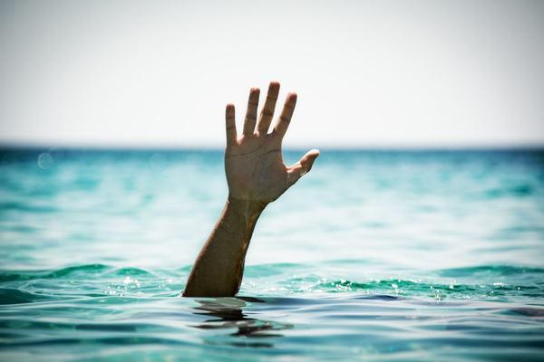 Mơ thấy chết đuối nước do sóng thần hoặc thiên tai khác