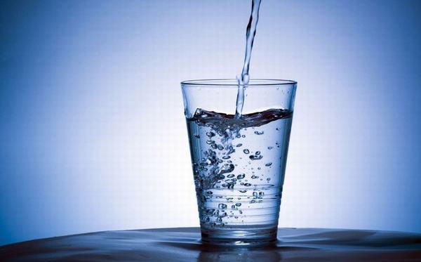 Nên sử dụng nước lọc để pha thuốc
