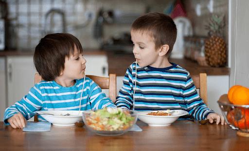 Nhận diện 5 nhóm thực phẩm dinh dưỡng cho trẻ chậm phát triển