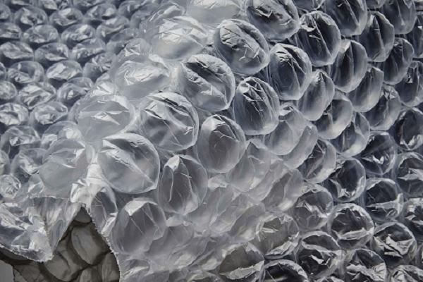 Bề mặt cấu tạo là những bóng khí đặc biệt
