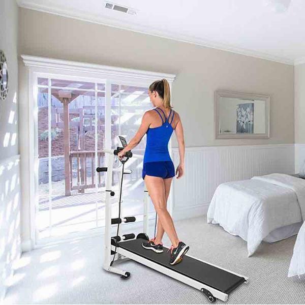 Dùng máy chạy bộ tại nhà mỗi sáng