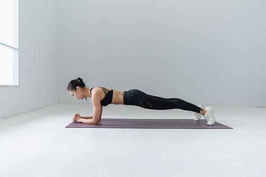 Plank, động tác nhập môn nếu muốn giảm mỡ bụng