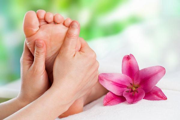 12 bước massage chân và lợi ích đối với cơ thể 1