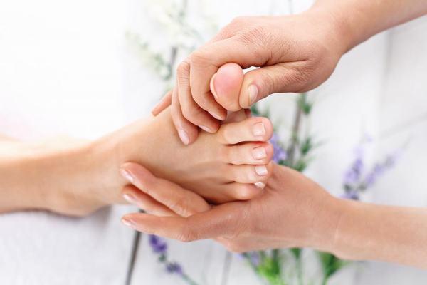 12 bước massage chân và lợi ích đối với cơ thể 11